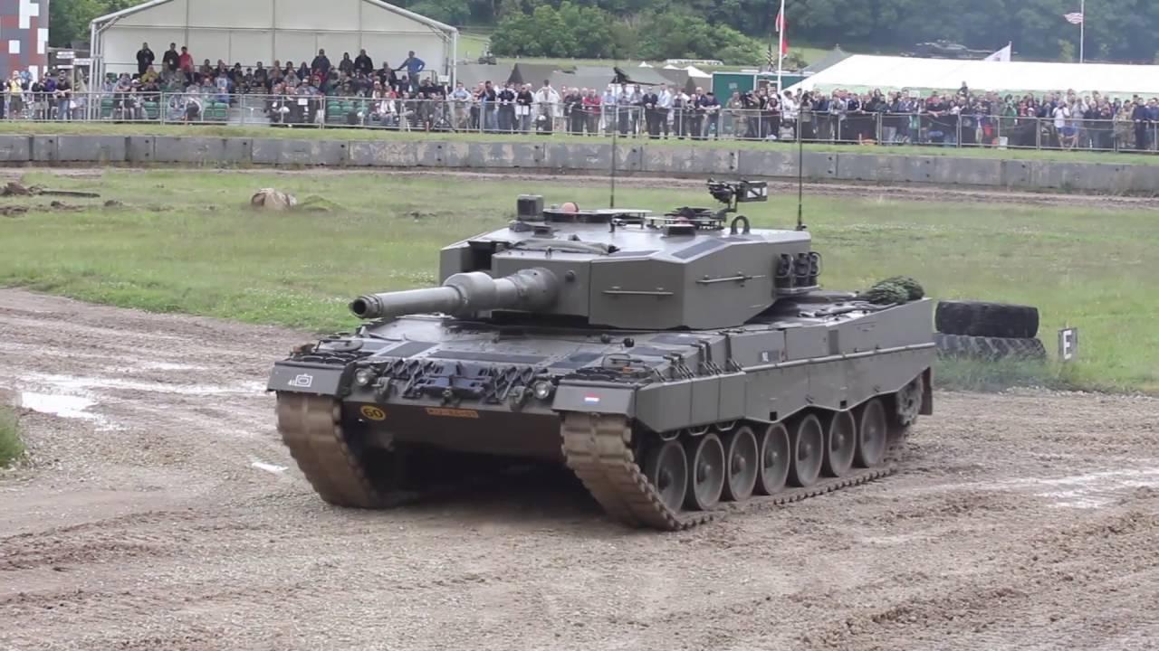leopard-2a4.jpg